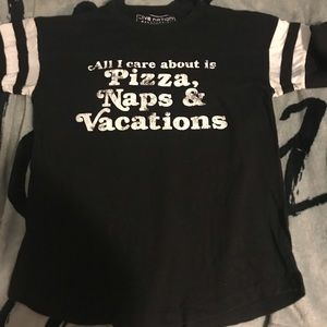 Casual tee shirt size large